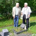 Besuch-am-Grab-des-Ehrenvorsitzenden-Helmut-Baues-in-Mützenich-bei-Monschau